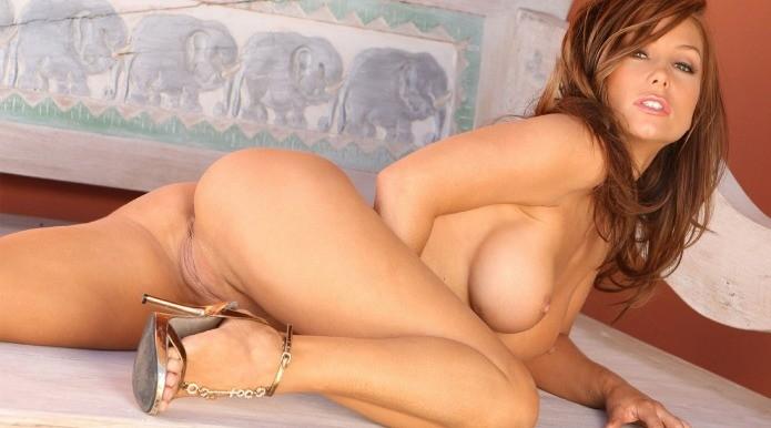 Hot wife boobs