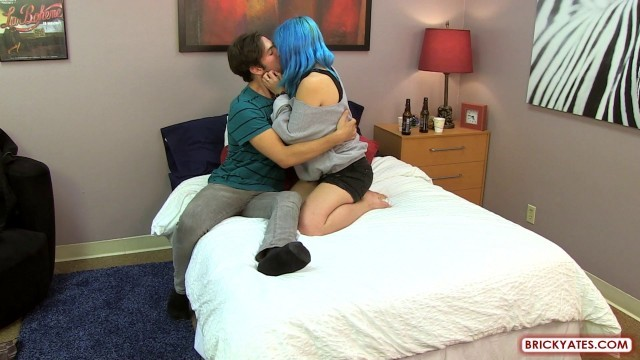 Chelsea Dagger Couple drinks and fucks in bed
