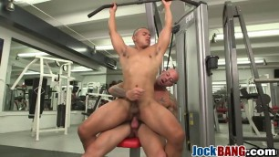 Cute muscular jocks are having a relaxing oral session after bodybuilding