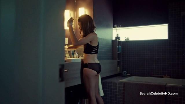 Beautiful Tatiana Maslany nude Orphan Black S01E01