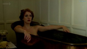 Rebecca Hall Woman reveals her breasts Nude