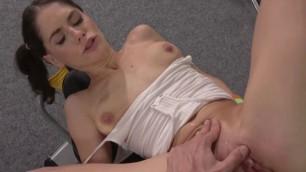 Cute Babe Lana Seymour Gets Her Pussy Eaten