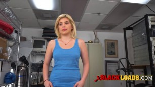 Blondies pussy gets demolished on the bosss desk