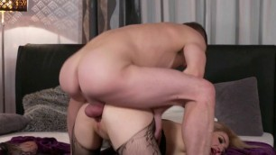 Hot MILF Dayana Ice Gets Dicked Down And Creamed