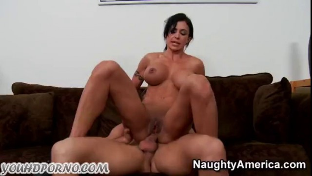 Horny Athletic Milf Jewels Jade Has Dirty Fuck With Young Guy