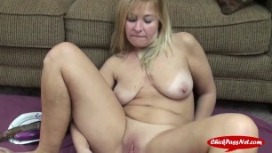 Kinky Blonde Loves to Stuff Her Pussy
