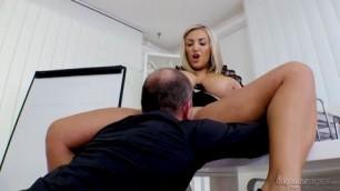 Krystal Swift Gets Her Big Boobs Sex