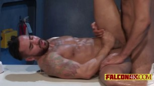 Muscular guys want tons of cum sprayed all over