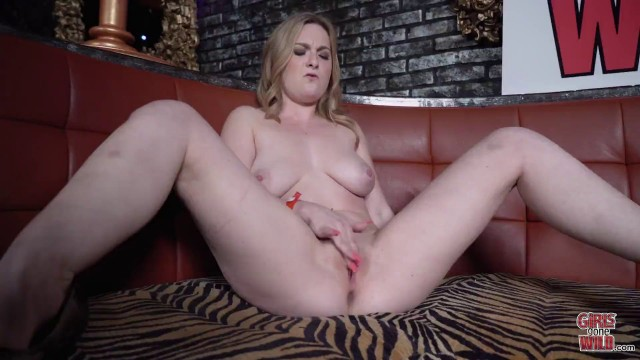 Big Tited Bitch Kara Does It At The Vip Table