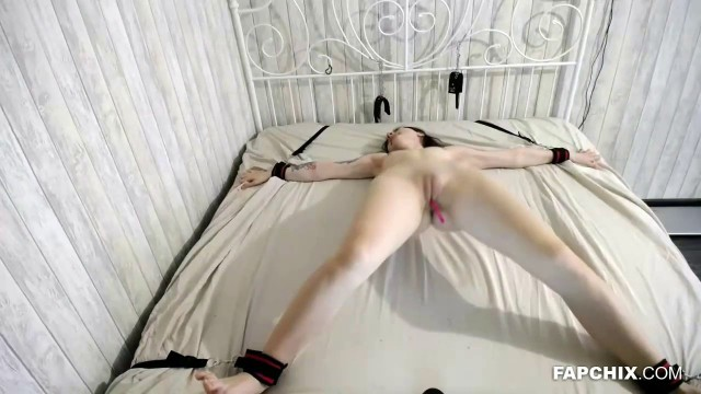 Perfectly Teen Plays With Her Pussy