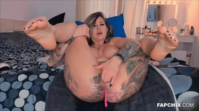 Tattooed Model Fake Cock Webcam Fuck