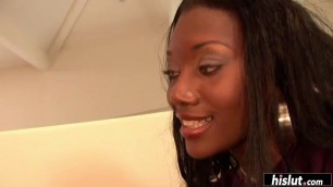 Nyomi Banxxx's ass bounces on his long cock