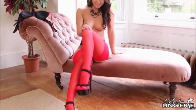Melisa Mendiny Striptease
