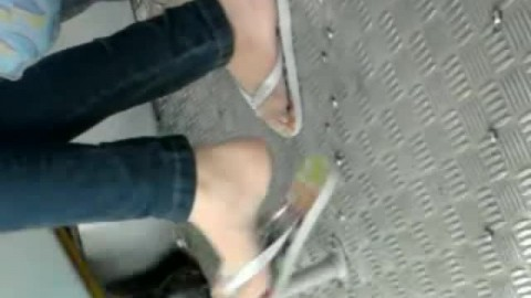 Candid High School Füße