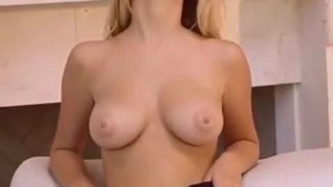 Sexy Nude Striptease