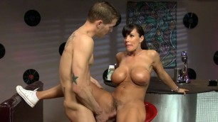 Lisa Ann mom waitress fuck