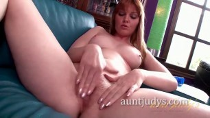redhead babe fingers sex