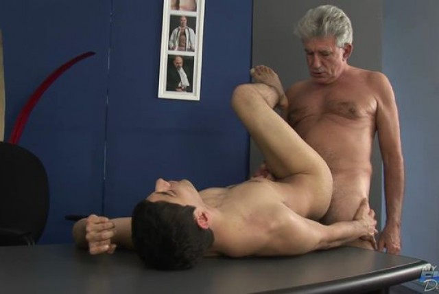GAYPORNFILE.COM - MFD The Producer Has No Clue Muller Joaquin BB 720p