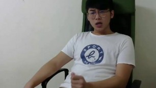 1 CAM Seimwia An Exhibistionist Asian Cums with a Tail A