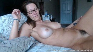 Horny MILF on cam at Milfsexdating Net loves to show you her wet pussy
