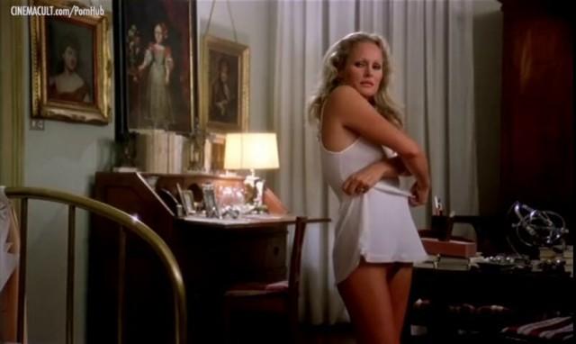 Ursula Andress nude body scene from Linfermiera