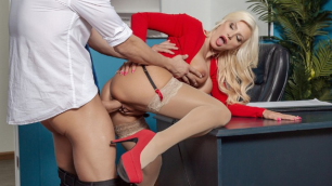Brittany Andrews Leaves His Alone In Mixed Message Mailboy
