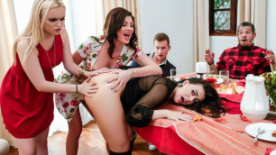 Best Sluts Whitney Wright,  River Fox And Jessica Rex On TheThanksgiving Dinner