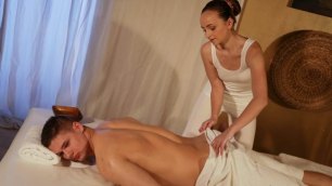 Massagerooms - Young Couple Slow Oily Massage Light Sex For Lady Bug