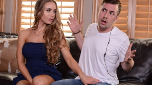 Brazzers - Gorgeous Nicole Aniston WOW! Theres A Pornstar In My House