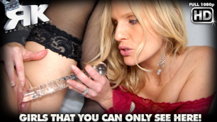 Beautiful Blondes Loren Nicole And Brianna Ray Love Sweets In Romantic Exchange