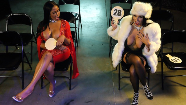 Moriah Mills And Romi Rain Are Wants Cock From Auction