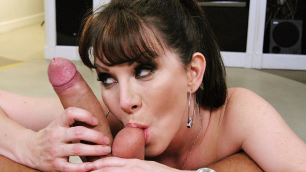 Brazzers - Rayveness Is A Good Housewife In Serial MILF
