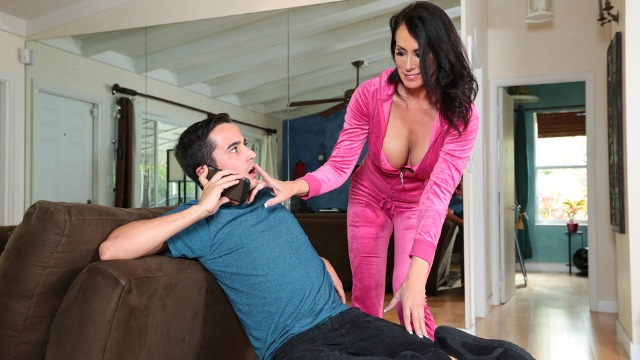 Brazzers - Busty Reagan Foxx Is A Total MILF
