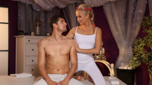 Massagerooms - Getting The Body On The Table Cayla Lyons