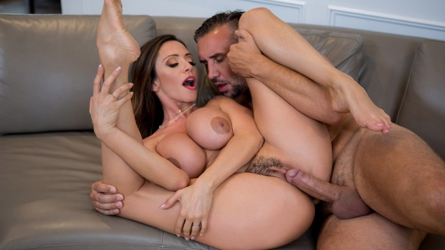 Brazzers - Ariella Ferrera Buckles Hard In Had Some Fun Gotta Run