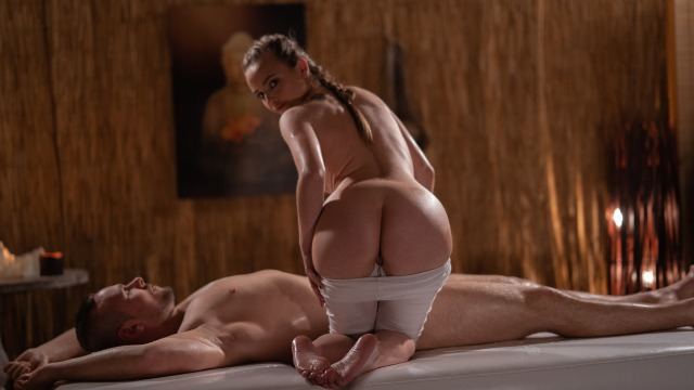 Massageroom - Sexy Oil Massage For Boy Lady Bug Fucks