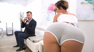 Brazzers - Masseuse Jada Stevens Knows How To Take Care Of Businessman