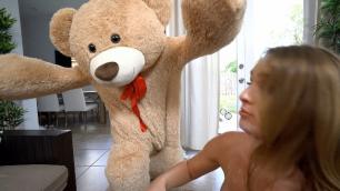 Mofos - Daisy Stone Sucked And Fucked Her Boyfriend's Big Dick