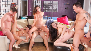 Devils Film - Delilah Davis And Bianca Breeze And Evi Foxx Swapped Their Husbands In Neighborhood Swingers 11