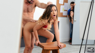 Jaye Summers Seduced Strong Man In Erotic Art