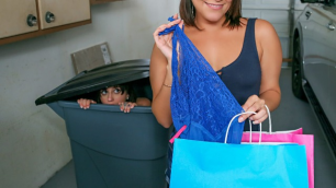 Mofos - Hot Young Marilyn Mansion Gets Recycled