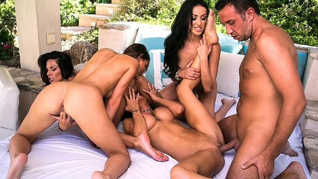 Brazzers - He Takes 4 Babes Breanne Benson, Jessica Jaymes And Other