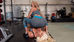 Brazzers - MILF Wars Between Alura Jenson And Joslyn James
