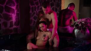 Massageroom - Blondes Hot Tub Massage Jennifer Amilton Wet Sex