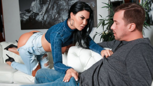 Reality Kings - Too Thicc Jasmine Jae For Skinny Jeans