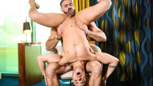 Men - Beaux Banks Want To Impress Discerning Muscle-Daddy Ricky Larkin