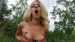 Monique Woods Agreed To Earn The Money By Showing Me Her Tits
