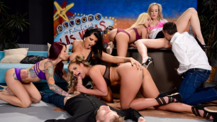 Brazzers - The Late Night Orgy Show With Brandi Love And Best Porn Stars