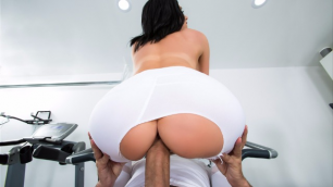 Brazzers - His Sport Wife Squats (Jaclyn Taylor On My Dick)