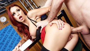 Horny Monique Alexander Keeps Her Anal Fresh